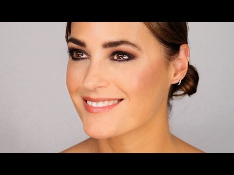 Rock Chic Makeup with Yasmin Le Bon - UCFghPtzFcmyDiID1ASMA4Dg