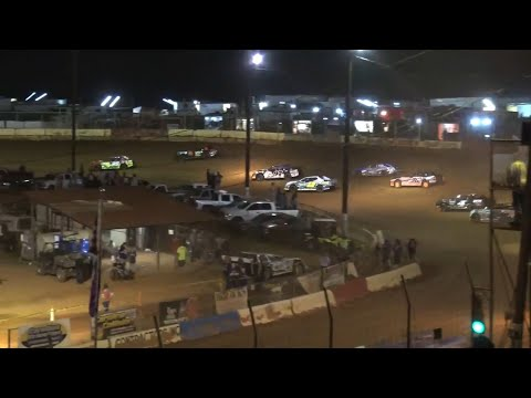Thunder bomber at Cherokee Speedway October 2nd 2021 - dirt track racing video image