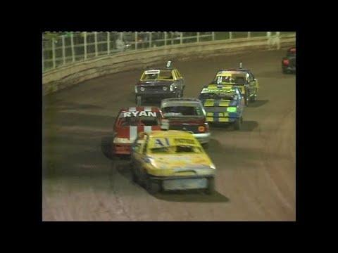 2006/07 Queensland Junior Sedan Title: Kingaroy Speedway   6th January 2007 - dirt track racing video image