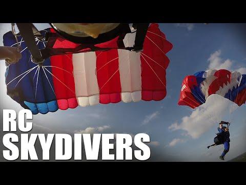 Flite Test | RC Skydivers (Parachute Drop) - UC9zTuyWffK9ckEz1216noAw