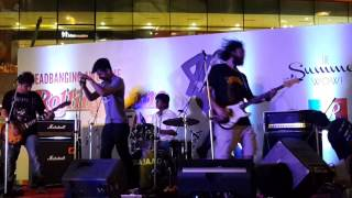 Live At R-City Mall - mommysnothome , Rock
