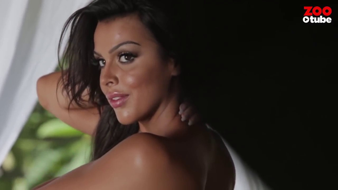 Brace yourself for Queensland's intense Raquel Petit – only @ ZOOTUBE | ZOO Brunettes