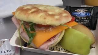 V#191Aterrizando🛬En La GRAN CIUDAD DE MÉXICO 🇲🇽.Nuestro viaje a Mexico parte 2.Lunch en el avión