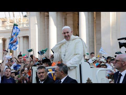 Zur Rechten des Papstes