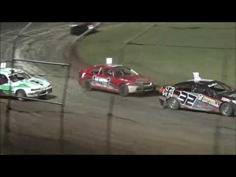 Production Sedans Feature Race at Castrol Edge Lismore Speedway. 01.12.18 - dirt track racing video image