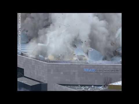 Nổ sập sân vận động ở Milwaukee (VOA)