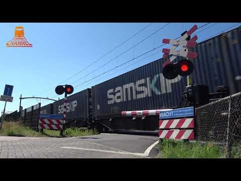 DUTCH RAILROAD CROSSING - Prinsenbeek - Steenakkerstraat photo