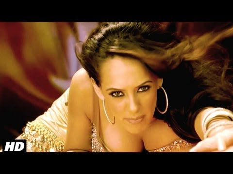 hazel Keech Item Song Girl in Maximum Movie - (2) - Maximum Item song Aa Ante Amalapuram Video - hazel Keech Item Girl