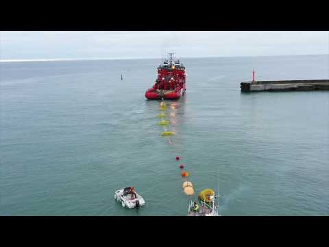 'Esvagt Connector' helps test Wavepiston's wave power prototype