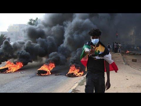 A tüntető tömegbe lőtt a hadsereg a szudáni fővárosban, többen meghaltak