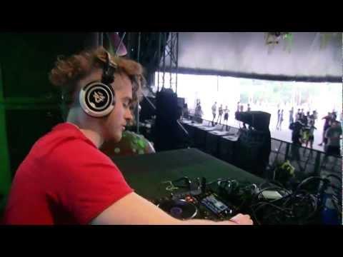 Kill Frenzy at Tomorrowland 2012 - UCsN8M73DMWa8SPp5o_0IAQQ