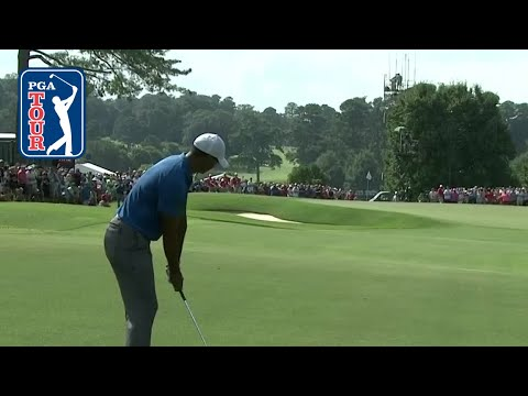 Tiger Woods? approach and putt excite gallery at TOUR Championship 2018