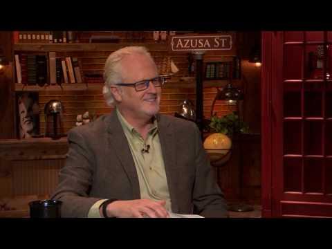 Billy Burke talks Revival