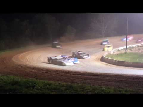 Clinton County Motor Speedway - dirt track racing video image