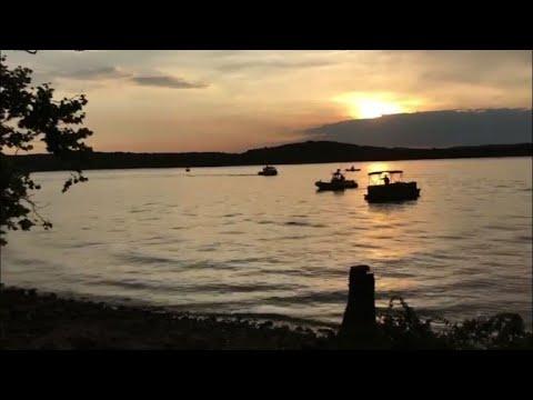 11 قتيلا على الأقل إثر انقلاب مركبة في بحيرة في ميزوري