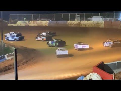 5/15/21 Young Guns V8 Cherokee Speedway - dirt track racing video image