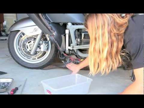 07+ Suzuki Burgman 400 - Coolant Change - UCTs-d2DgyuJVRICivxe2Ktg