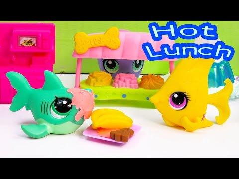 LPS Hot Lunch School Of Sharks Series Video Littlest Pet Shop Part 10 Cookieswirlc Toy Playing - UCelMeixAOTs2OQAAi9wU8-g