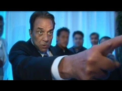 Dharmendra Getting Angry on Esha Deol Reception - (2) - Dharmendra Getting Angry on Media at Esha Deol Wedding Reception - Youtube Video