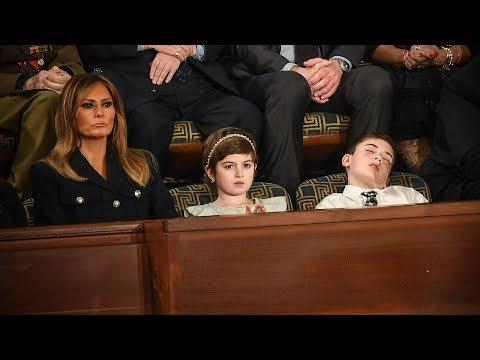 Học sinh 11 tuổi ngủ gục trong lúc TT Trump đọc diễn văn