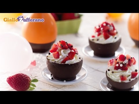 Chocolate bowls with chantilly cream and strawberries - kid friendly recipe