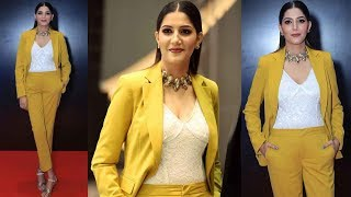 Sapna Choudhary looks like a diva in this yellow pantsuit!