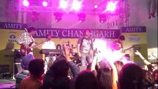 Chahun Main - The DeZire performing@ Amity Fest - thedezire ,