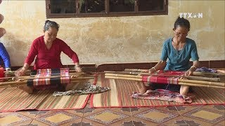 Traditional craft hardly manages to seek markets