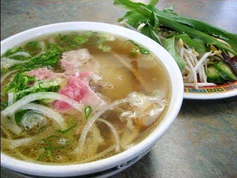 Bí quyết nấu phở của Phở Thanh Lịch - chủ tiệm, Ông Liêm Nguyễn