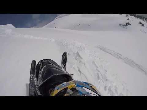 NEAR DEATH COMPILATION - SNOWMOBILES