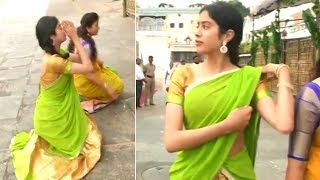 Jhanvi Kapoor Visits Tirumala | Sridevi Daughter  Jhanvi Kapoor | Manastars