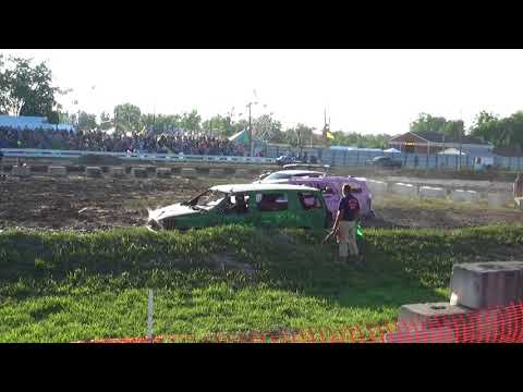 Arenac County Fair 2018 Minivan derby heat(8-3-18)