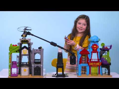 'Out of the Box with Violet': Unboxing the Super Hero Flight City!