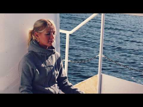 Annelie Pompe: There is a voice that doesn´t use words. Listen.