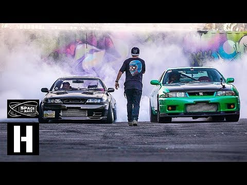 Skyline R33 VS Skyline R32 - Space Race - UCXlfi8sf6cKGQ8sOd0-yRuw
