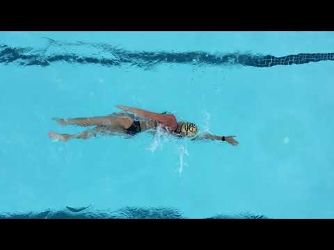 Power Woman Lexie Kelly in swimming action!