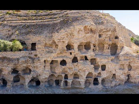 Sivas'ta Hititler Dönemi 'Apartman' Mağaralar İlgi Çekiyor