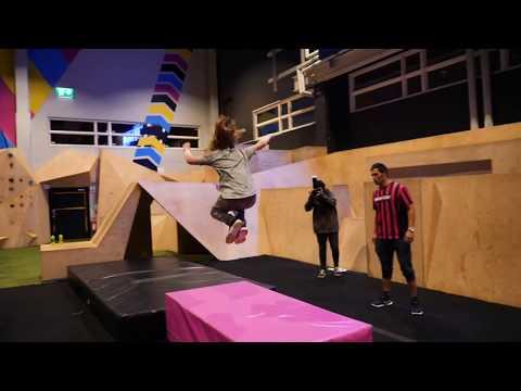 Freerun Academy - Lär dig Parkour | BOUNCE Sweden
