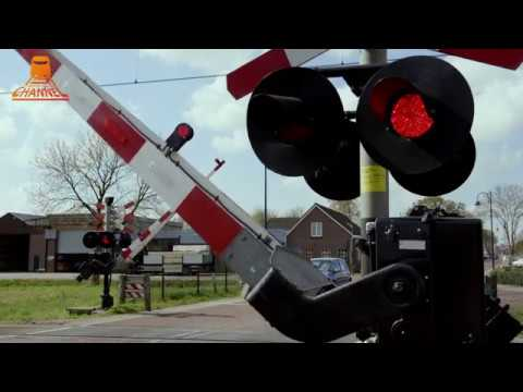 DUTCH RAILROAD CROSSING - Staphorst - Gemeenteweg photo