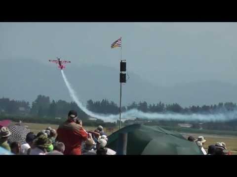 Edge 540 Pete Mcleod aerobatics torque roll stall spin 00231.MTS - UC4qt9wi4gMgC8HV81sZxu5Q