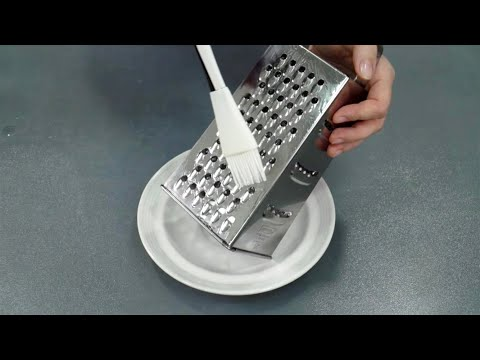 ЗАЧЕМ тысячи хозяек смазывают терку маслом перед использованием (простое решение вечной проблемы) photo