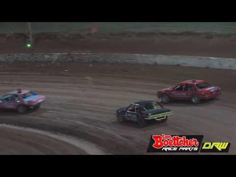Open Sedans B-Grade - A-Main - Brisbane Speedway - 15.10.16 - dirt track racing video image
