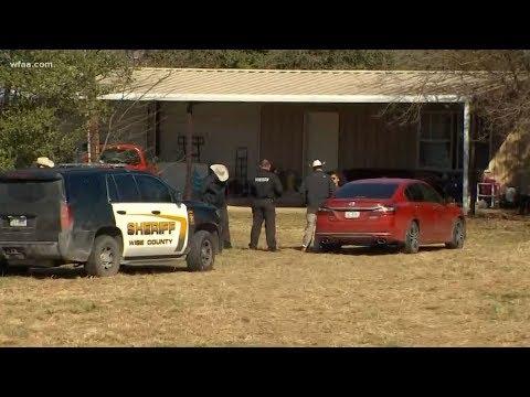Cảnh sát Texas phát hiện 4 em nhỏ bị bỏ đói, có 2 em bị nhốt trong chuồng chó