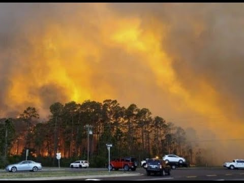 Breaking Fanning Flames Florida Fires / Paul Begley