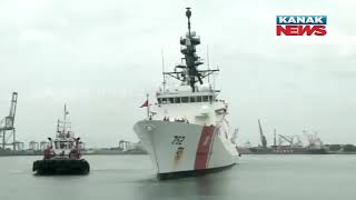 Students Give A Traditional Welcome To American Coast Guard Ship In Chennai