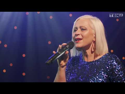 Lou Fellingham - Hark The Herald Angel Sing (Official Live Video)
