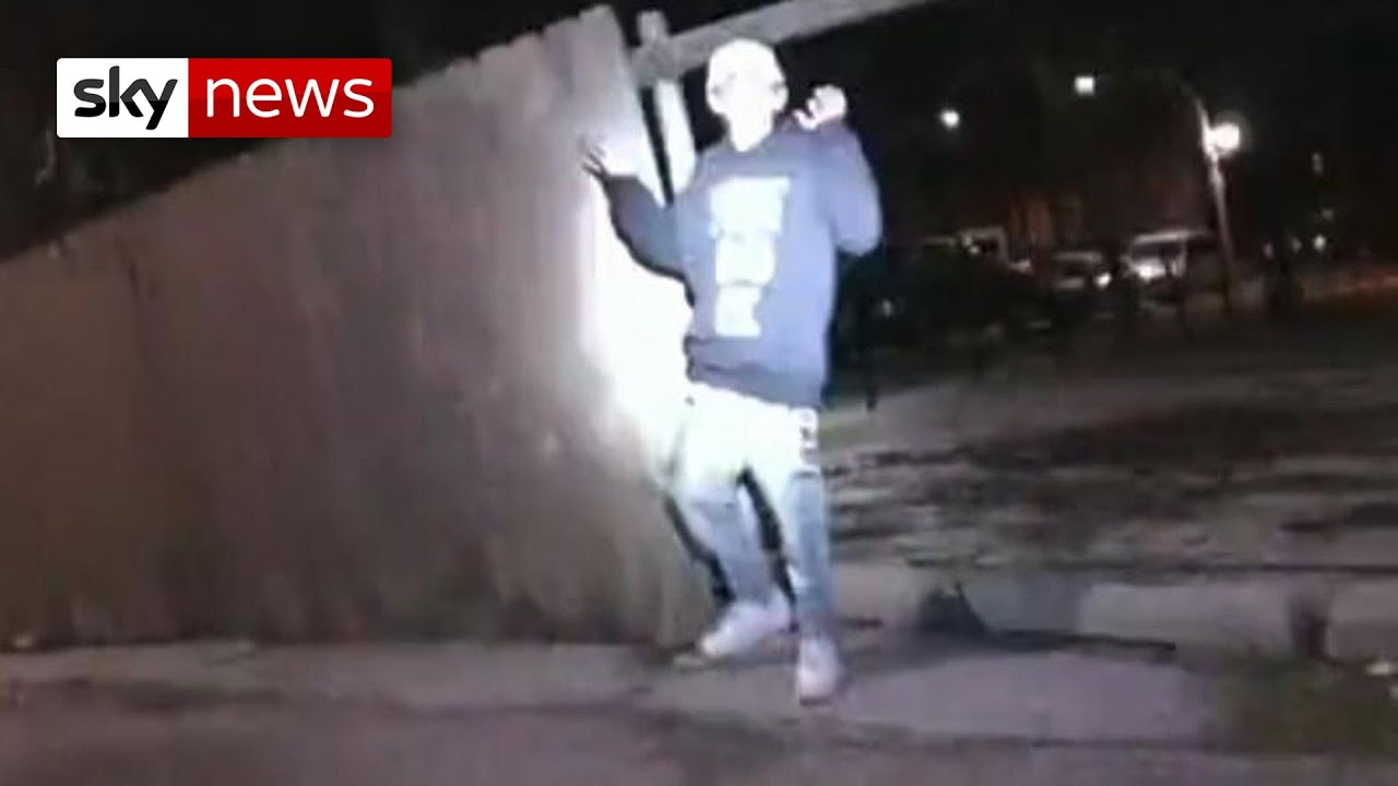 Video of 13 year old boy being shot dead by Chicago police released