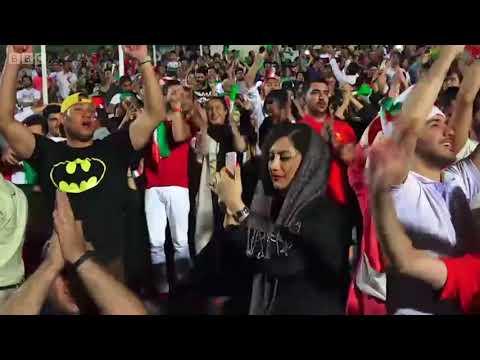 Phụ nữ Iran được đến sân vận động xem bóng đá