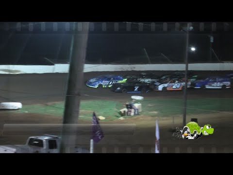 Lake Cumberland Speedway - RWD 4 Cylinder feature - 7/4/2021 - dirt track racing video image