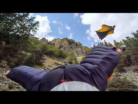 GoPro: Graham Dickinson's Insane Wingsuit Flight - Reverse Helmet Cam 3 of 3 - UCqhnX4jA0A5paNd1v-zEysw